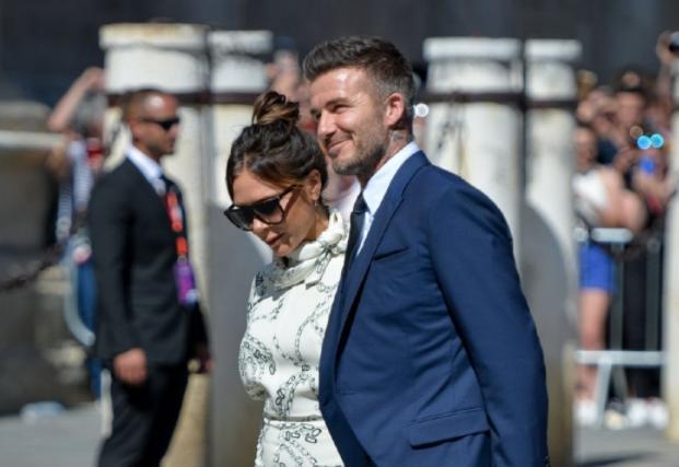 贝克汉姆参加婚礼_贝克汉姆参加前队友拉莫斯婚礼!不过镜头都被小七哈珀抢走了 ...