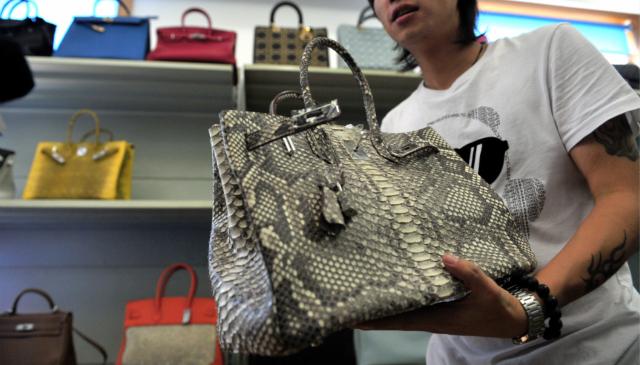 獨家調查丨奢侈品造假:高仿香柰兒、GUCCI、LV銷售最火_高仿品牌奢侈品