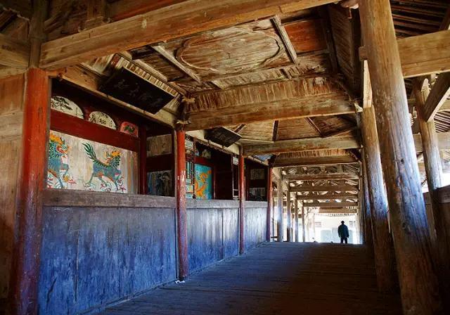 年初,鄉民們要到臨水殿,陳大翁宮里許愿,祈求神靈保佑五谷豐登,合家圖片