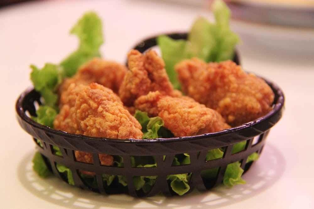 【韓國炸雞店每小時倒閉一家,最火的韓國炸雞為啥都不好賣了?】上海校村炸雞倒閉了