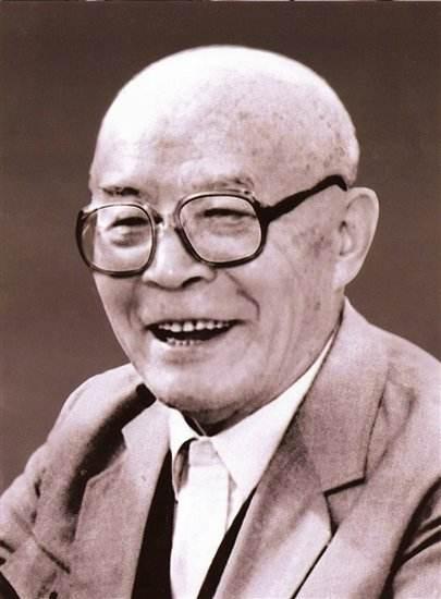 他是開國上將中最長壽的,活了106歲,臨終前不忘自己的老上司