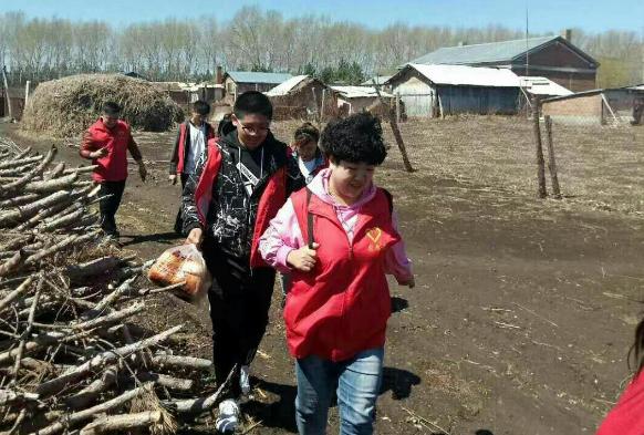 黑龙江拜泉县美女志愿者张建与爱心公益志愿者协会的故事
