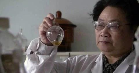 【动点播报】屠呦呦团队突破青蒿素抗药性 台积电或开始为苹果生产 5 纳米芯片