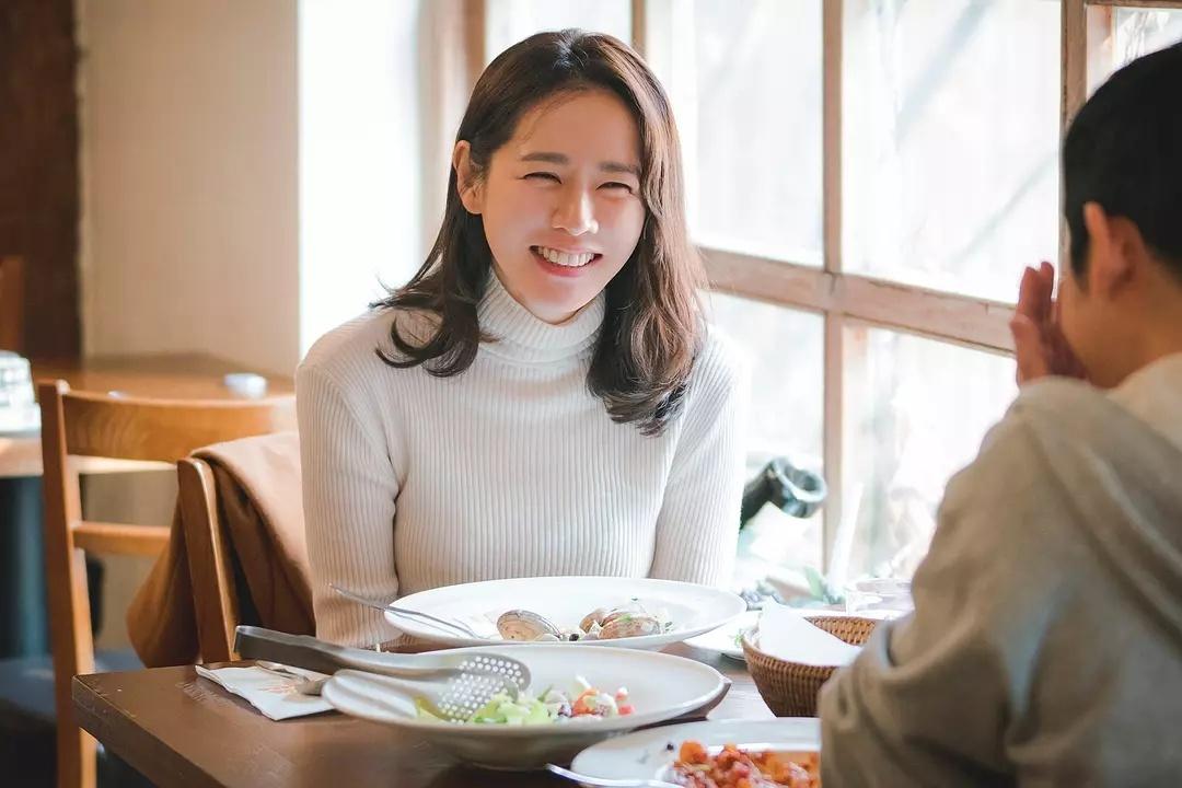 """離婚四年,43歲,我再次成為前夫心中的""""白月光""""_上海"""