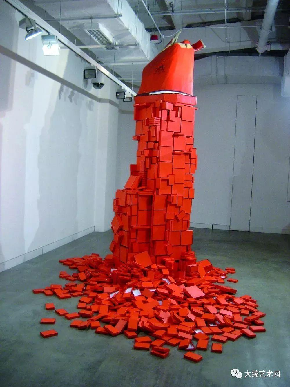 北京国际城市雕塑邀请展 提名奖 2001年 1999年 《软着陆》 玻璃钢