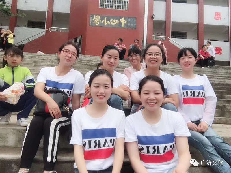 【缤纷文苑】张彦旭:四望启元小学有位80后女校长,名叫宋焕玲