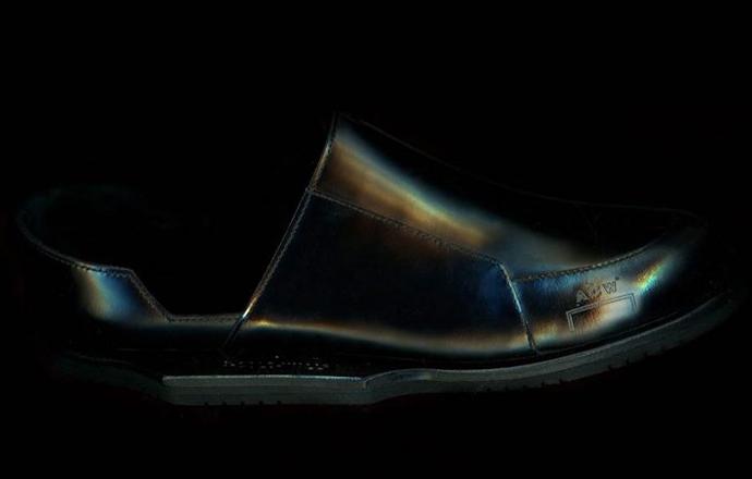 冲一下?A-COLD-WALL* 推出了最新球鞋设计!