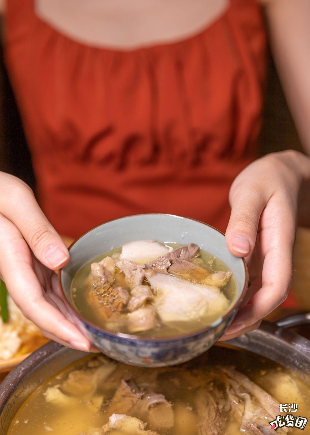 【步骤图】芋头牛腩煲的做法_芋头牛腩煲的做法步骤_菜谱_下厨房
