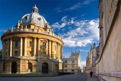 不同类型的英国硕士留学一年花费多少呢