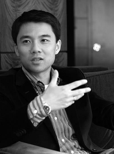 马云称他是天才,高二跳级到哈佛,首次创业卖出18亿元 | EMBA人物