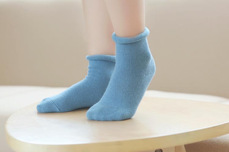 全球健闻 | 儿童袜十中有九含双酚A,可导致性早熟或早期肥胖