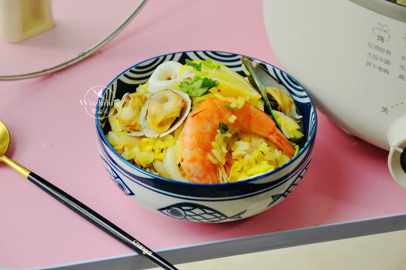 别再单吃米饭了,加点材料,鲜美更营养,一锅全家不够吃