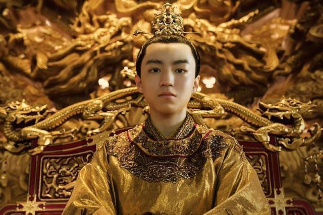 皇帝面临绝后危险,太后想出一个办法,之后连得十一位皇子