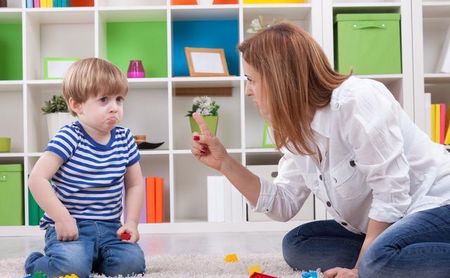 不想孩子将来变成白眼狼,父母可别做