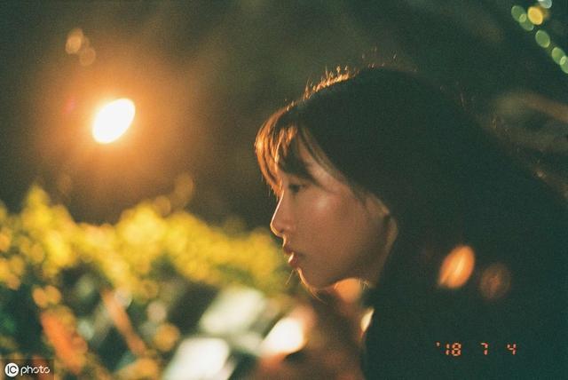 朋友圈心酸无奈的伤感说说,写给为爱而伤的自己