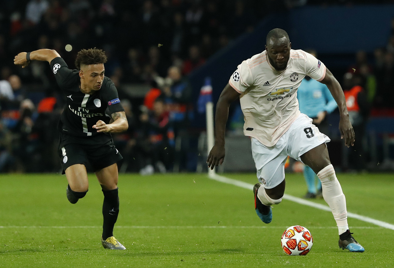马丁内斯:卢卡库需要离开曼联,寻找合适的俱乐部
