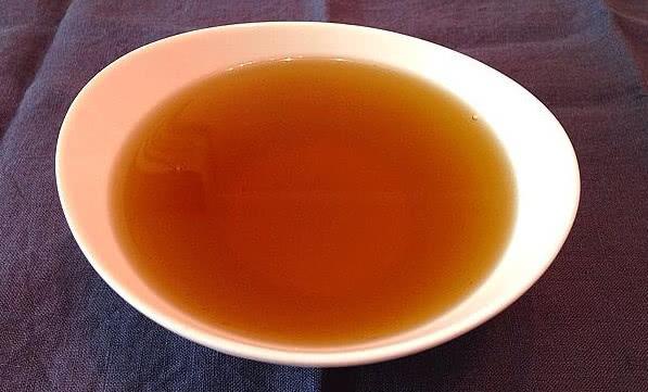 做花椒油,热油下锅好还是冷油下锅好?若做错了,花椒油不麻不香:花椒油好还是藤椒油