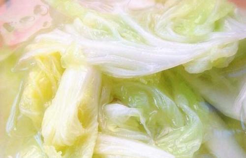 紫薯和土豆一起蒸着吃,缓解便秘、帮助减肥,不过发芽之后不要吃