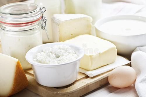 """睡前喝牛奶会长胖_睡前喝牛奶,容易变成""""毒牛奶"""",还会长胖?教你如果安全喝 ..."""