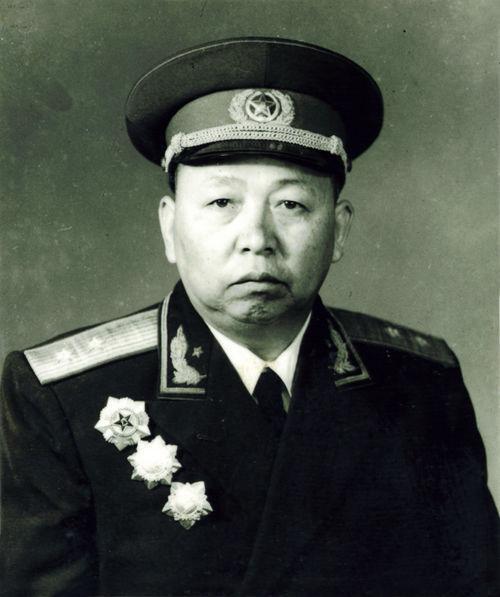 一个中将 ,却带出了一个国家主席,四个上将