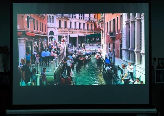 明基TK800M投影机_媲美影院的4K超清大屏家庭影院