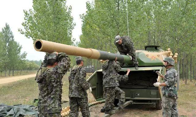 打!飞!机!防空炮速射炮傻傻分不清?美军直接懵了