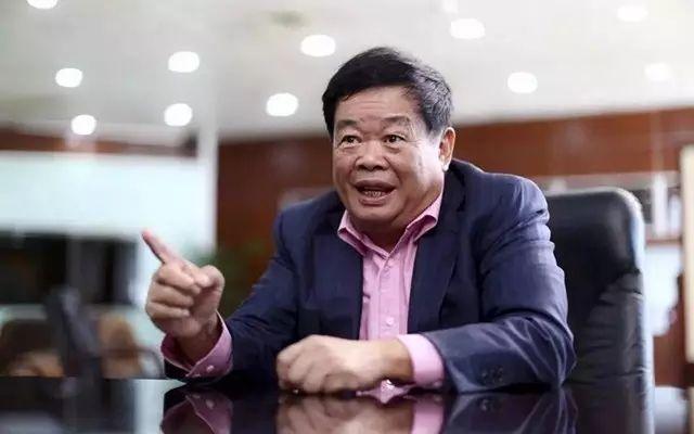 曹德旺資金雄厚為啥不愿進入房地產業?|曹德旺