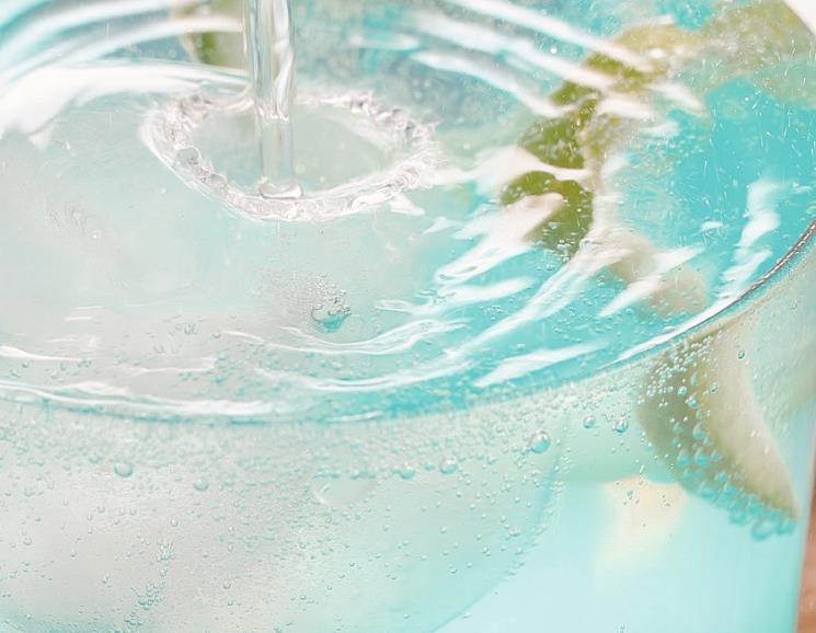 原創             长相考满分的夏季凉饮,清爽美味可口,作法还简易,十多分钟就能拿下
