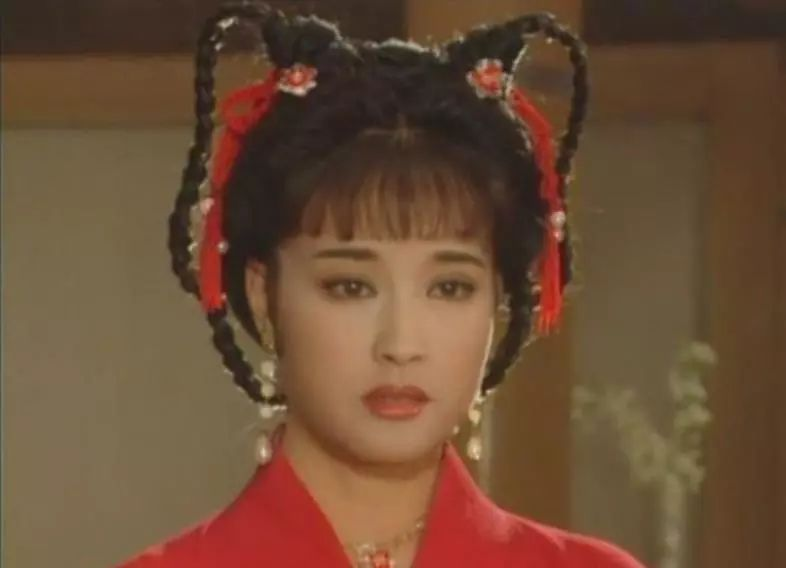 他是敢把粉扑塞进刘晓庆嘴里的化妆师!