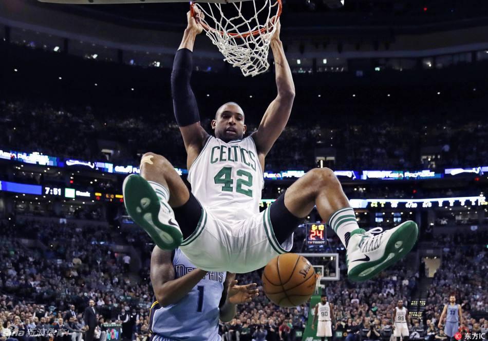 20日NBA:湖人等队有意霍福德 狼队想交易4号签_第30届韩国金唱片