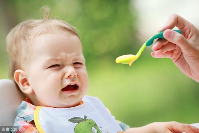 """""""按需喂养""""不等于""""按哭喂养""""!宝宝饿不饿,得看这几个表现"""
