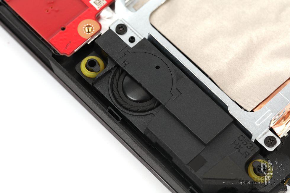 华硕ASUS ROG SCAR III评测240Hz 15英寸 BMW设计