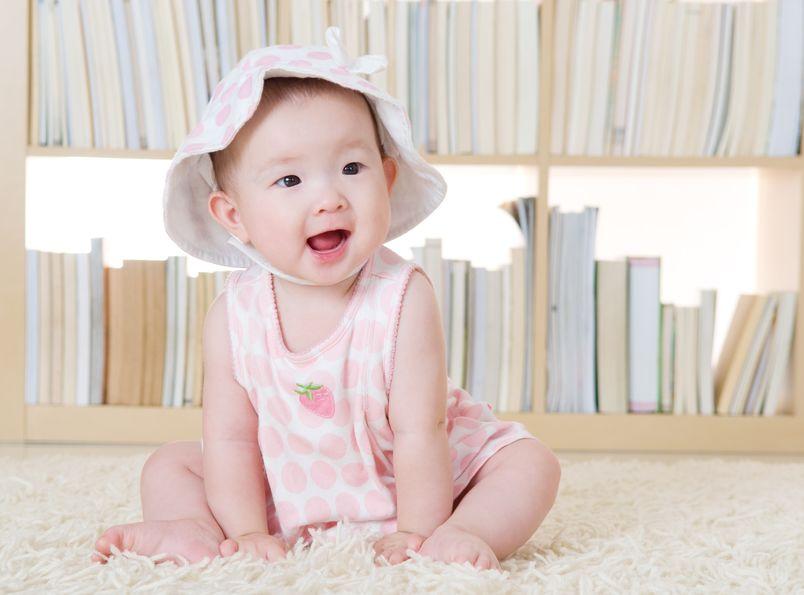 如何培养孩子正确坐姿?让孩子能够站如松、坐如弓,拥有挺拔高挑的身姿