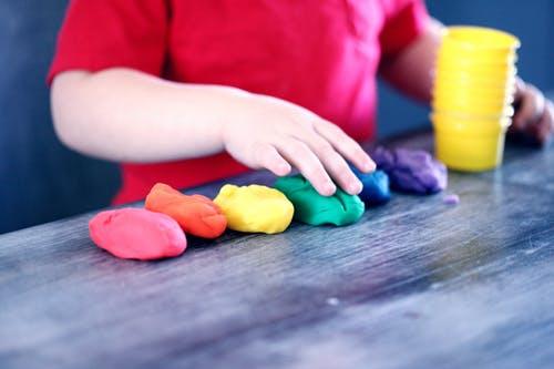 提前了解儿童敏感期,是做好父母的必要准备,尽最大程度挖掘孩子潜能_如何把握孩子的