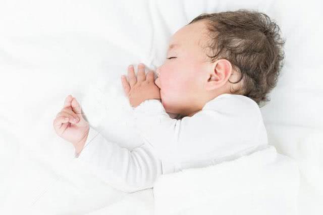 【新生儿甲亢是怎么回事?】 新生儿甲减能治愈吗