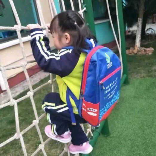爸爸我为什么要上学【粗心宝爸送孩子上学,将孩子遗忘车内并反锁,导致孩子窒息】