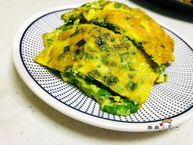 韭菜鸡蛋饼怎么做好吃 [简单的一盘韭菜鸡蛋饼吧!清香好吃]