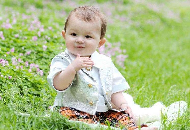 宝宝白天和夜晚出生那个更聪明?这3个方面分析,真的有科学依据_晚出生的宝宝更聪明