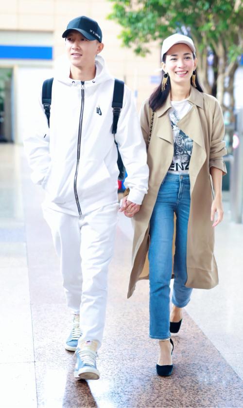 曝韩庚和卢靖姗在香港注册结婚,双方工作人员没否认,疑择日公布