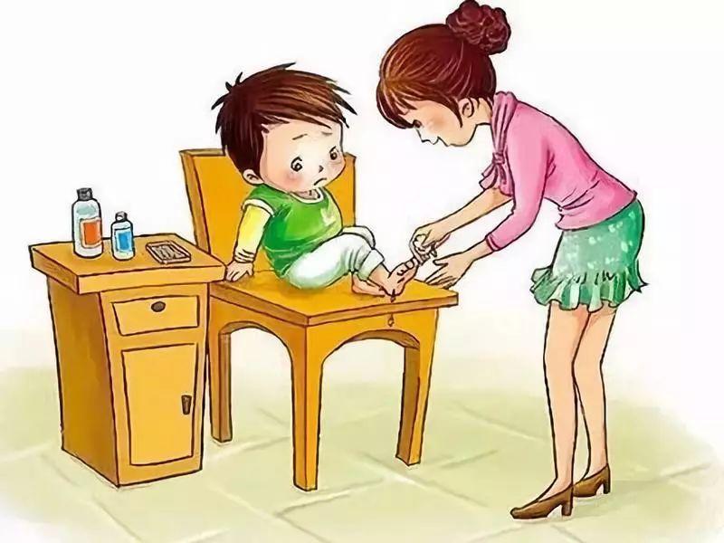幼儿园孩子磕碰怎么办【孩子在幼儿园磕碰,不同的处理方式影响孩子一