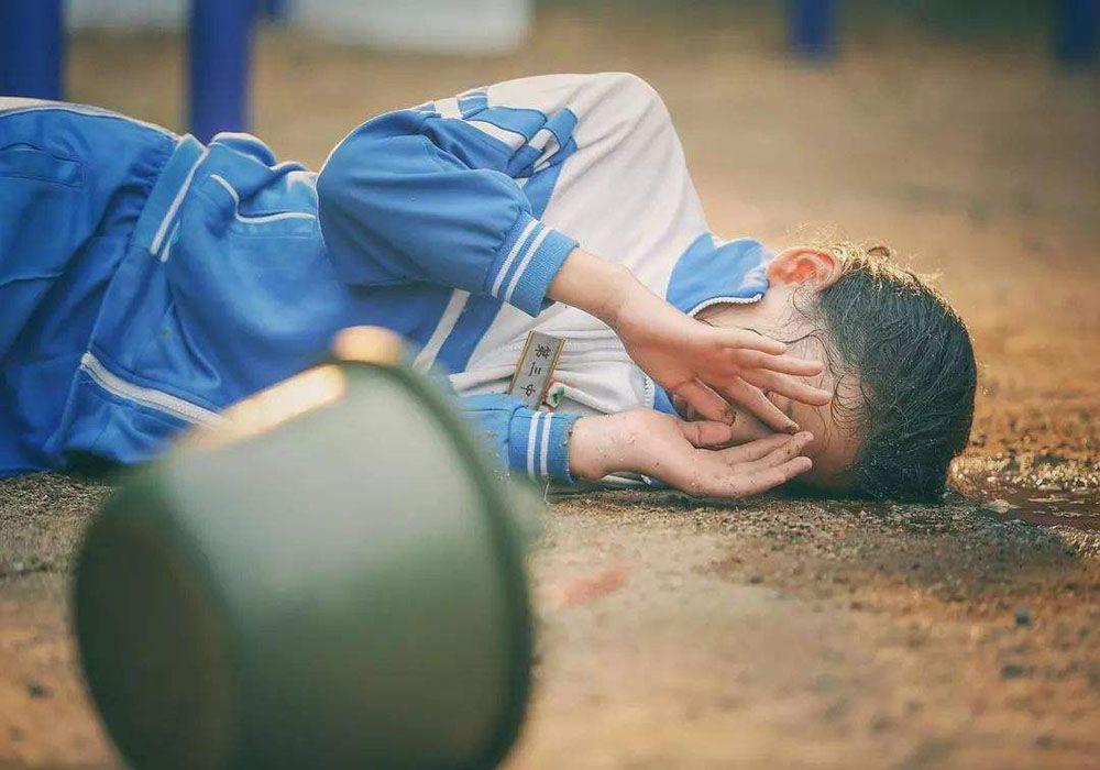【拒绝校园暴力,避免孩子成为受害者或实施者,它远比你想象的可怕】关于校园暴力受害