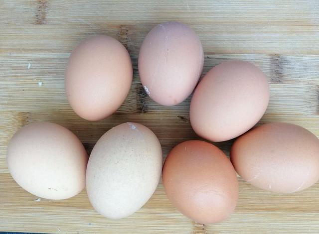 你家孩子爱吃鸡蛋吗?别再煮着吃了,这吃法火了,一周十斤不够吃:鸡蛋怎么做孩子爱吃