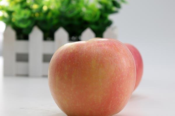 血管堵塞怎么办?吃苹果管用吗?别再错了,真正该做的是三件事 血管堵塞