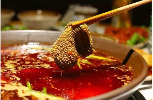 涮火锅的菜有哪些 涮火锅不能点的5道菜,一个赛一个难吃,放点进去,整个锅都毁了