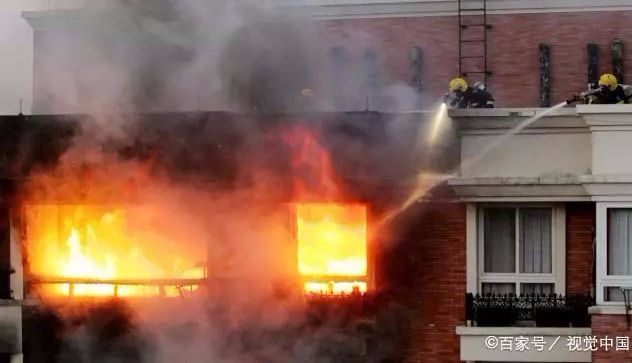痛心!父母用身体为孩子挡火!广东一民宅起火致一死两伤:父母在广东