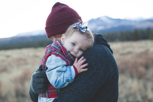 【孩子愤怒的时候,就打骂妈妈,家长如何给孩子建立界限很重要】 愤怒
