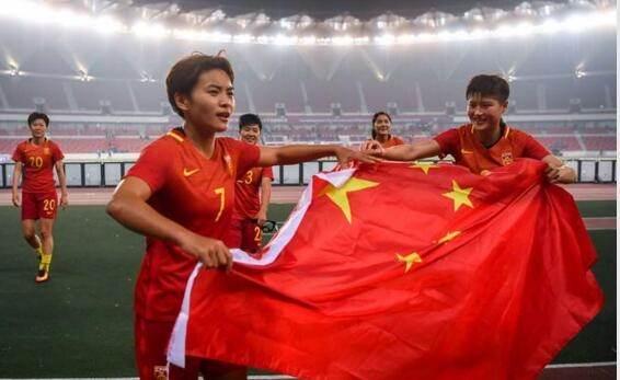中国女足0:1小负世界第二德国队,为何各方评价争论不断?_德国新闻_德国中文网