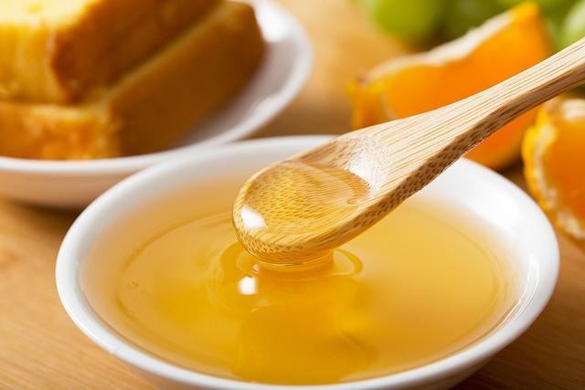 常喝蜂蜜水可以美容养颜?什么时间喝效果最棒?喝多少不会长胖?