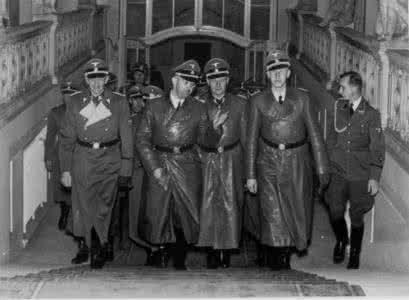 秒懂纳粹德国的国防军、冲锋队、党卫队、盖世太保等都有什么区别