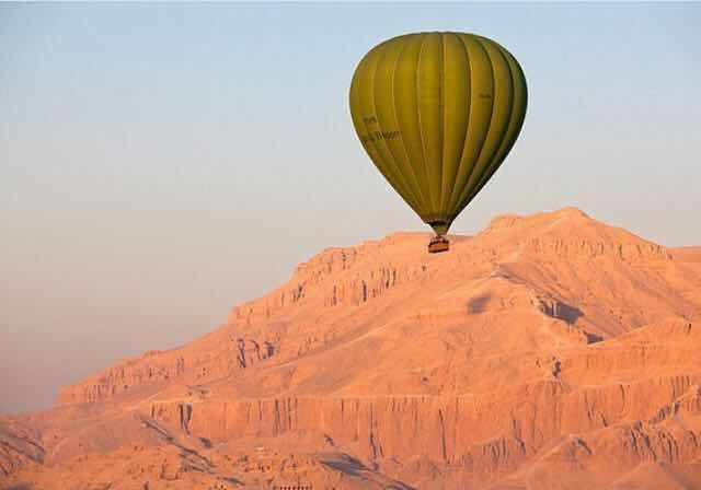 埃及南部一热气球被强风吹到西部戈壁!11旅客含4中国人全获救